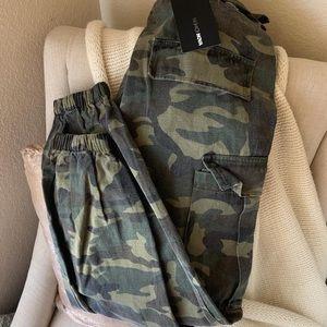 New size medium fashion nova army pants